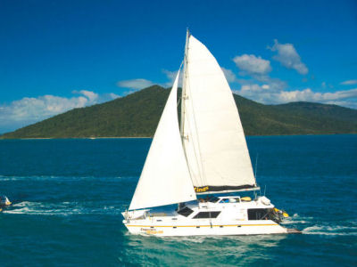 Whitsundays Overnight Sailing Tours | AirlieBeach com