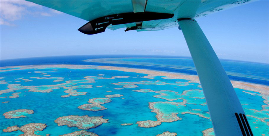 Seaplane Scenic Flight to the Great Barrier Reef Whitsundays