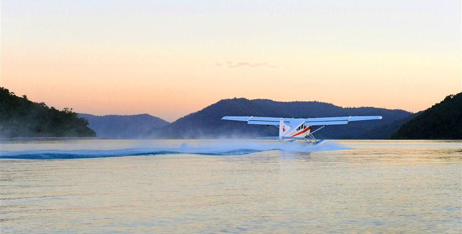 Whitsundays Seaplane Sunset