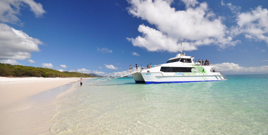Cruise Whitsundays Whitehaven Beach & Hamilton Island Tour Boat