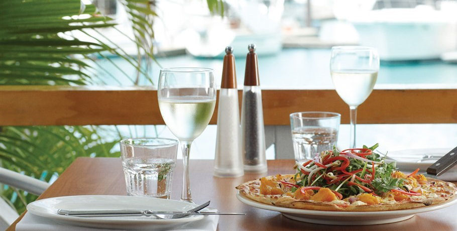 Lunch Included in Airlie Beach Day Tour to the Whitsunday Islands
