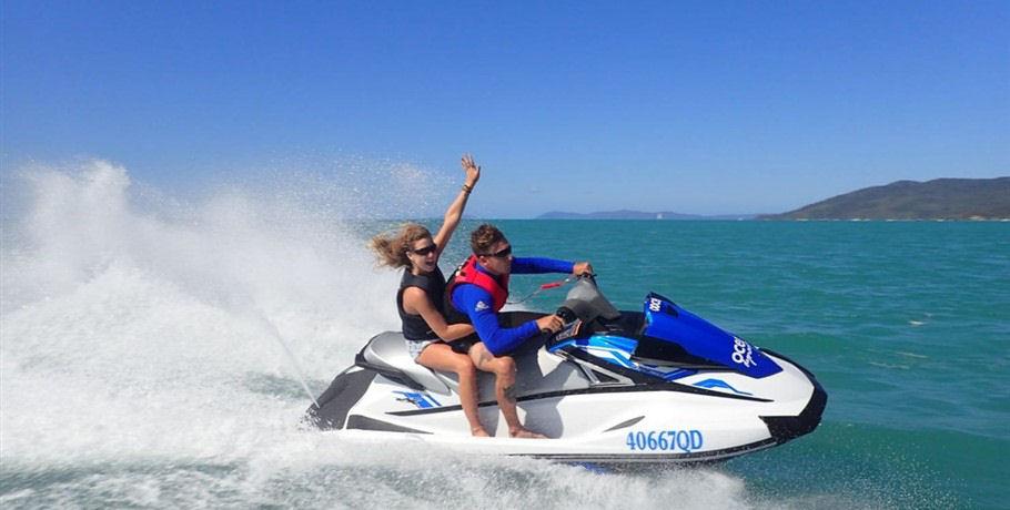 Explore with Cruise Whitsundays Day Tour