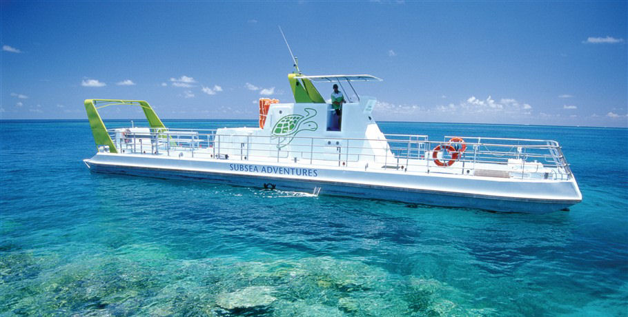 Glass bottom boat at the Reef